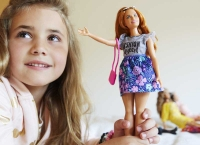 Wholesalers of Barbie Doll And Fashion Giftset toys image 4