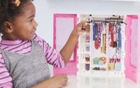 Wholesalers of Barbie Fashionistas Ultimate Closet toys image 4