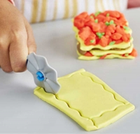 Wholesalers of Play-doh Kitchen Creations Noodle Makin Mania toys image 5