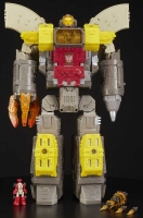Wholesalers of Transformers Gen Wfc Titan Class toys image 3