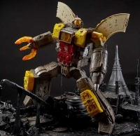 Wholesalers of Transformers Gen Wfc Titan Class toys image 5